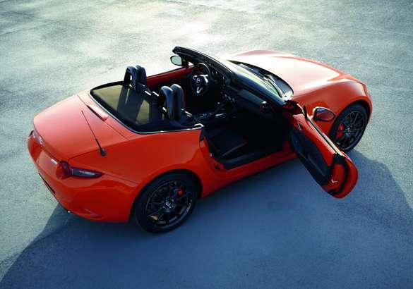 Оранжевое настроение: Mazda выпустила юбилейную спецверсию MX-5
