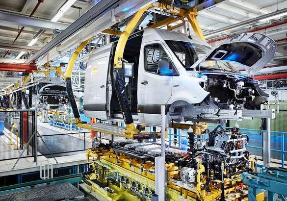 Mercedes eSprinter встал на конвейер
