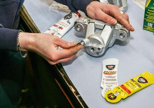 Меняешь колодки — проверь суппорт: рекомендации экспертов по обслуживанию тормозной системы