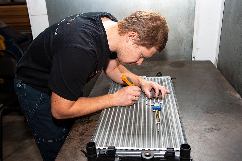 Большой тест радиаторов охлаждения для Volkswagen Polo: заводской оригинал против Mahle, NRF, ASC Termal, SAT, Denso, Luzar и Zekkert